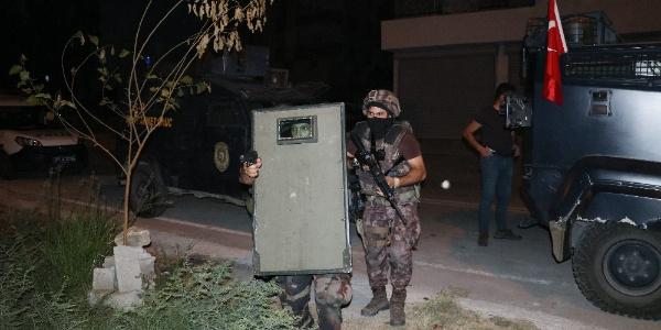 Adana'da polisten 14 adrese 15 Ağustos operasyonu: 12 gözaltı