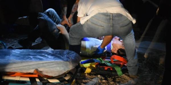 İzmir'de uyuşturucu bağımlısı genç metrelerce yükseklikten düştü