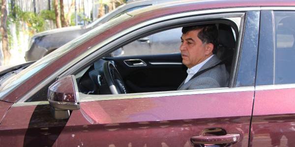 Gaziantep'te Belediye Başkanı, tasarruf için makam aracını iade etti