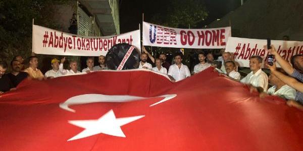 İstanbul'daki ABD Başkonsolosluğu önünde taksicilerden eylem