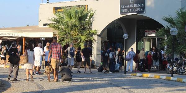 Tatilciler Ege Adaları rezervasyonlarını iptal etti