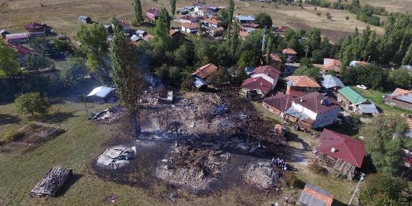 Tosya'da evleri küle dönen vatandaşlara AFAD yardıma koştu