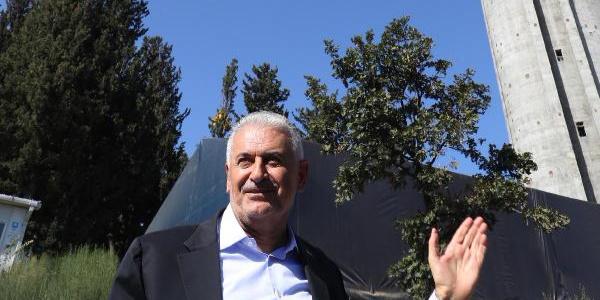 Meclis Başkanı Binali  Yıldırım Çamlıca Camii ve Kule inşaatını inceledi