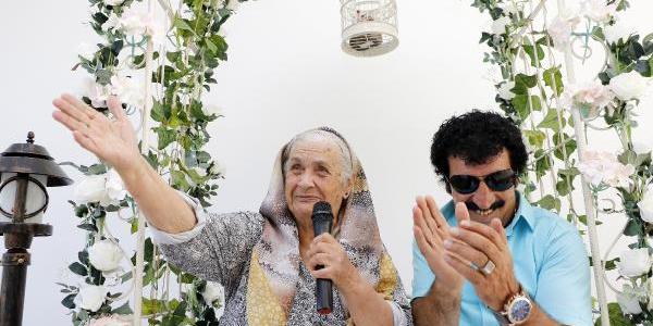86'lık 'Antalya Güzeli'nin hayalini Müslüm Gürses'in benzeri gerçekleştirdi