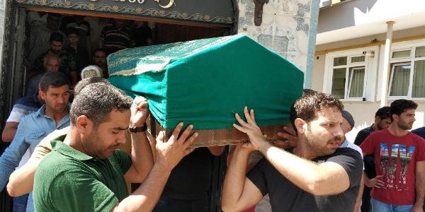 Iraklı çocuk körebe oynarken penceresinden düşerek öldü