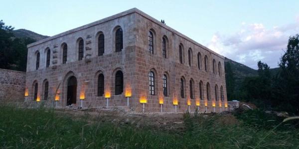 Hakkari Şemdinli'deki Kayme Sarayı'na bölgeden büyük ilgi