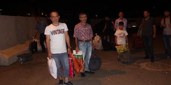 Diyarbakır- İstanbul seferi yapan otobüs 20 yolcuyu Siverek'ı bırakıp yola devam etti