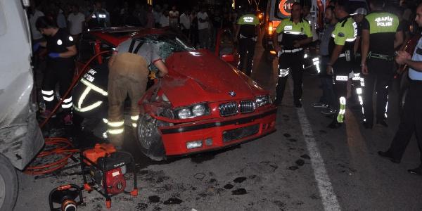 Uşak'ta cinayet gibi kaza: 1 ölü, 2 yaralı