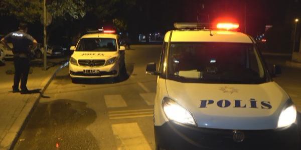 Adana'da motosikletle kaçan şüpheliyi polis taksi ile yakaladı