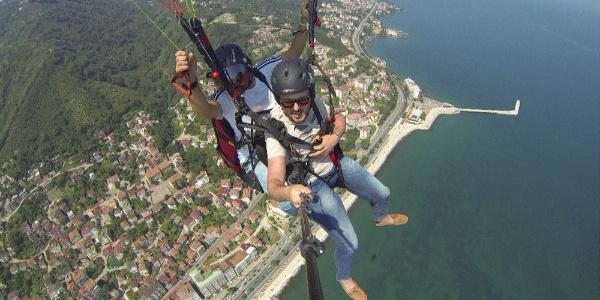 Ordu'da turistlerin 530 metre yükseklikte yamaç paraşütü keyfi