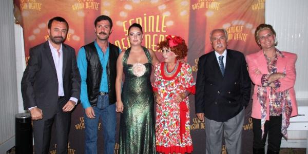 Selami Şahin'den yeni albümü için eşi ve çocuklarına söz
