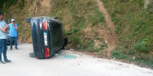 Gümüşhane Kürtün'de yayla dönüşü kaza: Aynı aileden 7 yaralı