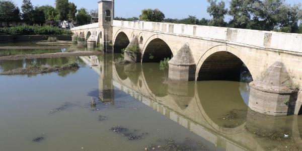 Sular çekildi Meriç ve Tunca köprülerinin ayakları ortaya çıktı