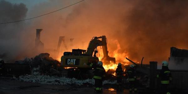 Konya'da 9 iş yerini kül eden yangını, sitenin özel güvenlik görevlisi çıkarmış