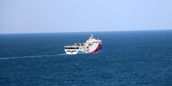 MTA'nın Milli Oruç Reis gemisi, kömür için Karadeniz'e açıldı