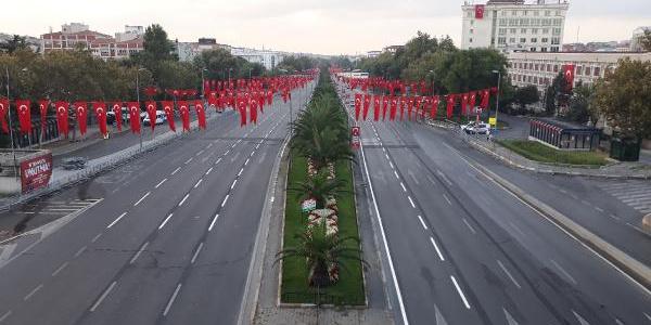 Vatan Caddesi, Zafer Bayramı törenleri için trafiğe kapatıldı