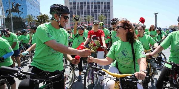 Türkiye'nin ilk 'Bisiklet Kooperatifi' İzmir Karşıyaka'da kuruldu