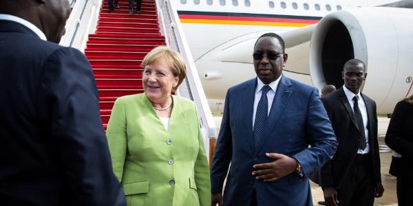 """Merkel: """"Avrupa'nın geleceği için Afrika çok önemli"""""""