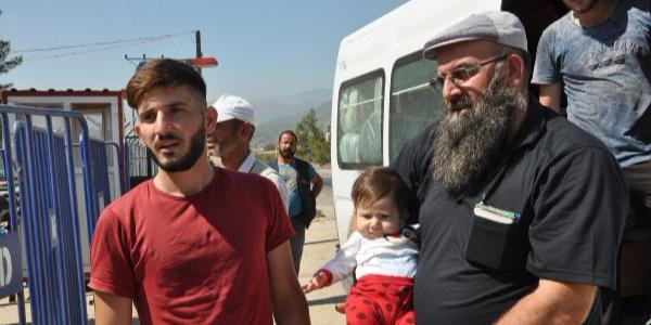 İslahiye'de kapatılacak kamptaki mülteciler tahliye ediliyor