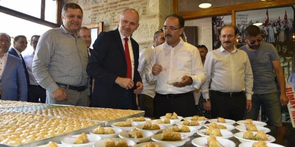 Uşaklı ünlü girişimci baklavada Gaziantep'in rakibi oldu