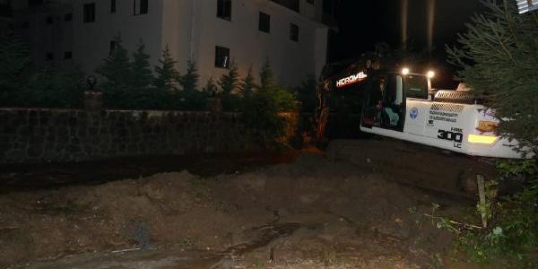 Trabzon'un Of ilçesini şiddetli yağış vurdu; çok sayıda ev sular altında