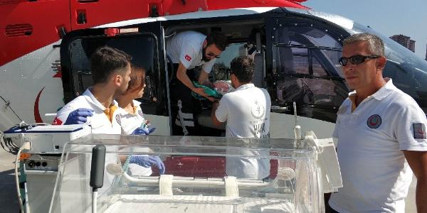 Samsun'da kalbi duran bebek ambulans helikopterle sevkedildi