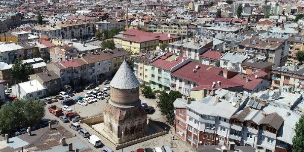 """""""Dabaz hastaları tedavi için Sivas'ta bu minareye geliyor"""