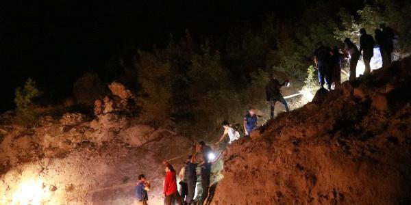 Bolu'da 44 yaşındaki kadını uçurumun kenarından 12 saatte indirdiler
