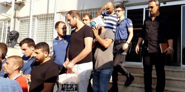 Aydın ve İzmir'de 8 adrese eş zamanlı şafak baskını: 11 gözaltı