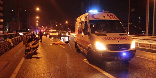 Mecidiyeköy E-5'te motosikletli sürücünün feci ölümü