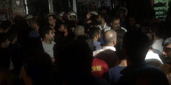 Elazığ'da tehlikeli gerginlik: Suriyelilerin işyerlerini parçaladılarr