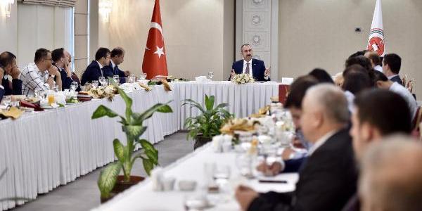 Adalet Bakanı Gül af teklifiyle ilgili Cumhurbaşkanı'nı adres gösterdi