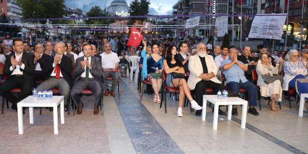 Ünlüler Safranbolu'daki belgesel ve film günlerinde buluştu