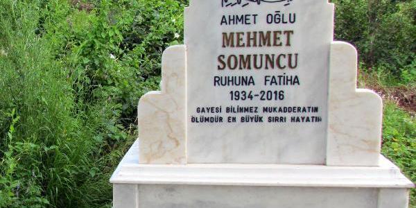 Mezar taşına yazdırdığı ölüm tarihinden 2 yıl sonra toprağa verildi