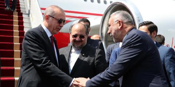 Cumhurbaşkanı Erdoğan, Suriye'ye yönelik 3'lü zirve için Tahran'da