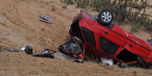 Kırıkkale'de uçuruma yuvarlanan otomobildeki 2 kişi öldü
