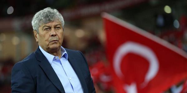 """Lucescu Milli Takımın yediği ikinci golü """"çok aptalca"""" buldu"""