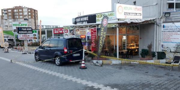 Esenyurt'ta silahlı kavga: 1'i ağır 3 yaralı