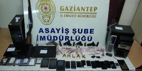 Gaziantep'te 10 adrese fuhuş baskını: 43 gözaltı