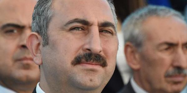 Adalet Bakanı Gül'den 12 Eylül yönetimine Suriye üzerinden mesaj