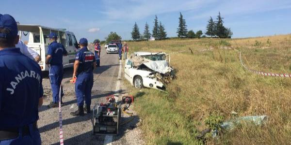 Kırklareli'de çarpışan 2 otomobilden 4 ceset çıkarıldı