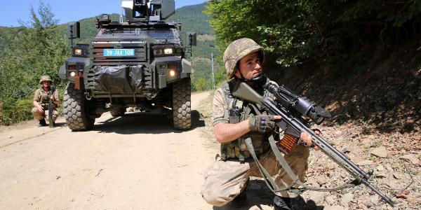 PKK'lı teröristler çaldıkları kuzuyu yemeye fırsat bulamadı