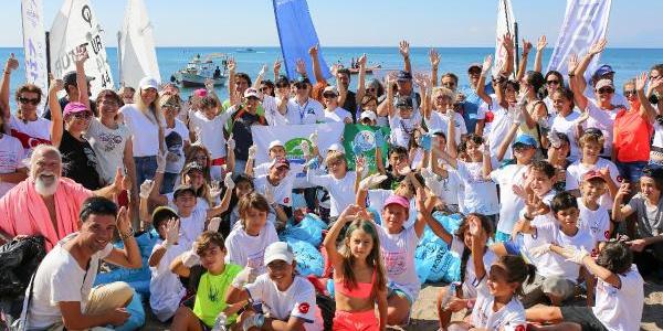 Antalya sakinledi, Turmepa gönüllüleri temizlik için kıyılara akın etti