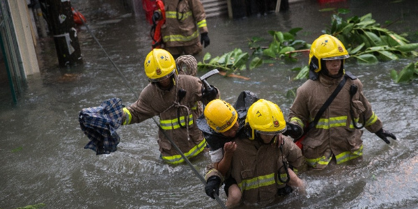 Mangkhut tayfunu Çin'i vurdu 4 ölü, 200 yaralı