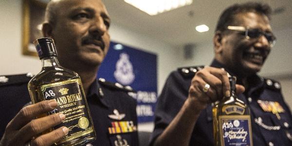 Malezya'da sahte içki kabusu; 14 kişi hayatını kaybetti