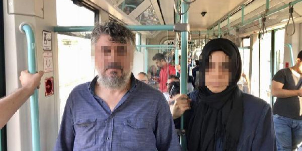Polis, FETÖ imamını  tramvay durağında gözaltına aldı