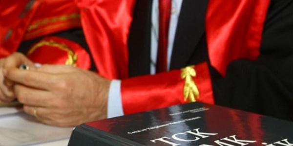 Duruşmada Fethullah Gülen'i övünce tutuklandı