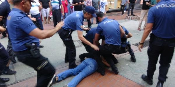 İzmit'te  polis intihar eden baba için toplanan 15 kişiyi gözaltına aldı