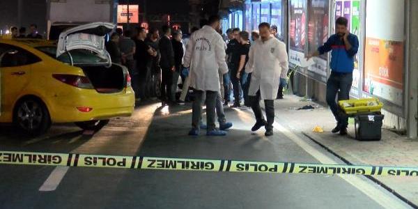 İstanbul'da taksiyi gasp eden zanlıyı polis vurdu
