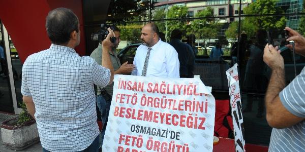 """Bursa'da bir vatandaş """"Bu hastanede FETÖ'cüler çalışıyor"""" diye eylem başlattı"""